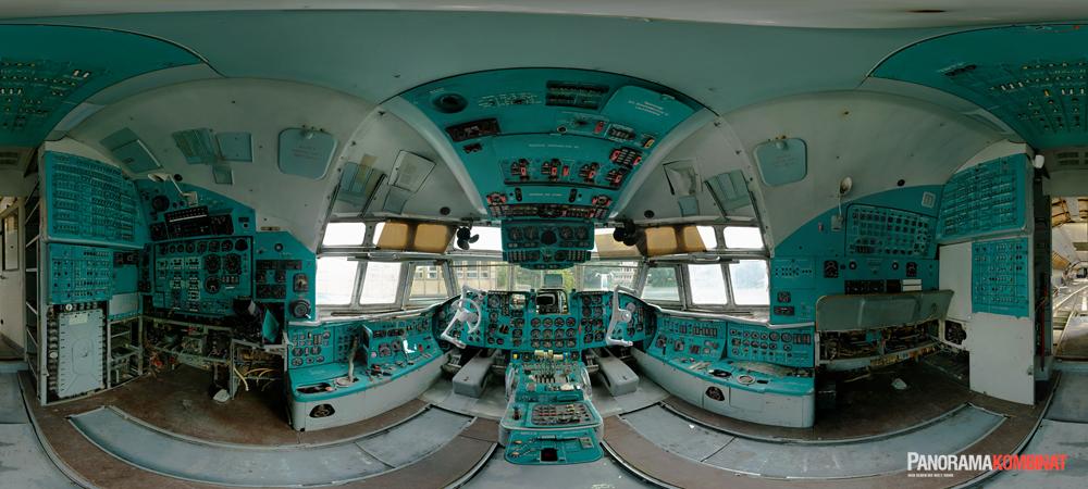 il-62-cockpit